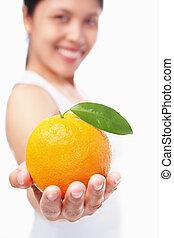 orange, tenue femme