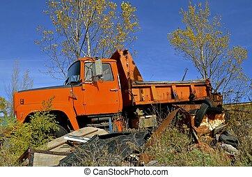 orange, vieux camion, décharge