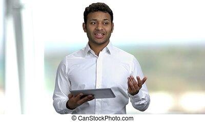 orateur, homme affaires, tablet., utilisation, numérique