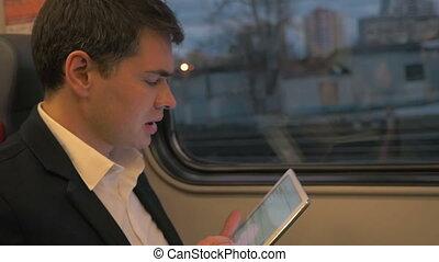 ordinateur homme, business, tablette, voyage