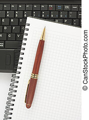 ordinateur portable, bloc-notes, spirale, stylo, noir, clavier