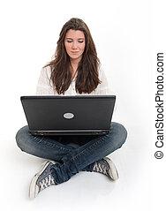 ordinateur portable, brunette, jeune