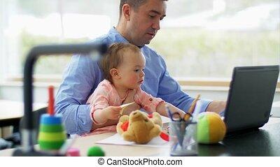 ordinateur portable, bureau, père, fonctionnement, maison, ...