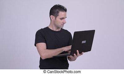 ordinateur portable, contre, fond, utilisation, blanc, homme, beau