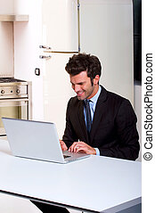 ordinateur portable, cuisine, homme