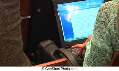 ordinateur portable, dactylographie