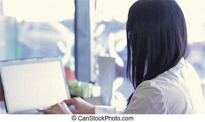 ordinateur portable, femme, café, business