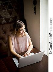 ordinateur portable, femme, café, jeune, séance