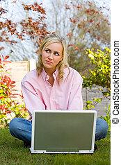 ordinateur portable, femme, maison, elle, pensif, informatique, utilisation, jardin, girl, jeune