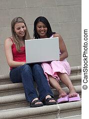 ordinateur portable, filles