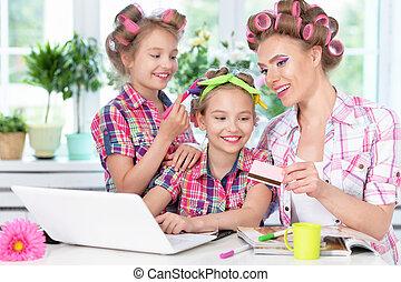 ordinateur portable, filles, mère