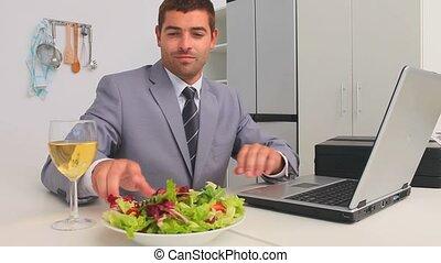 ordinateur portable, fonctionnement, homme affaires, sien