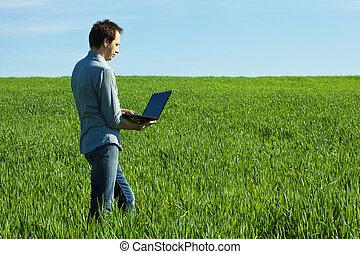 ordinateur portable, jeune, champ, vert, usages, homme