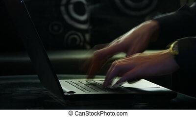 ordinateur portable, mains, dactylographie, temps, clavier, mâle, défaillance
