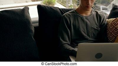 ordinateur portable, maison, utilisation, homme, 4k