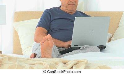 ordinateur portable, sien, foyer, homme mûr