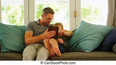 ordinateur portable, utilisation, sofa, père, fils, 4k
