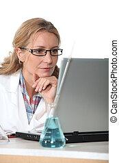 ordinateur portatif, chimiste, fonctionnement