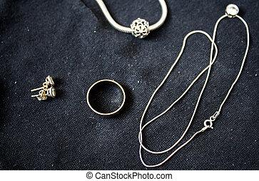 orecchini, anello, braccialetto, pendente, catena