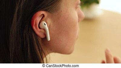 oreille, écouteur, insertion