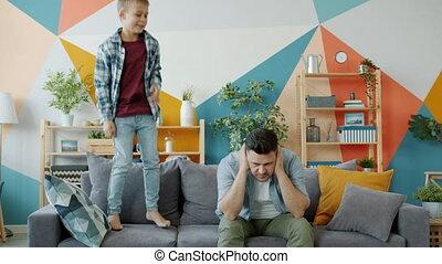 oreilles, mains, père, couverture, lent, sofa, quoique, ...