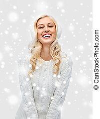 orejeras, mujer, invierno, suéter, joven, sonriente