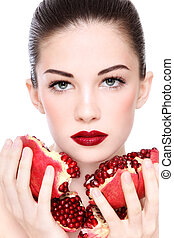 Organic beauty - Portrait of young beautiful woman with...