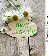 organic label with daisies