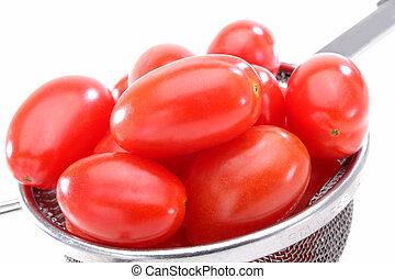 Organic red grape tomatoes