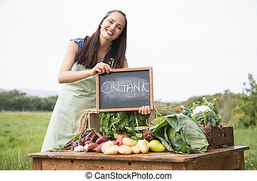 organisch, groentes, markt, vrouw, het verkopen