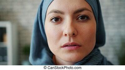 oriental, bureau, moderne, girl, séduisant, portrait, hijab, gros plan, milieu
