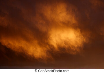 oro, fuego, nubes