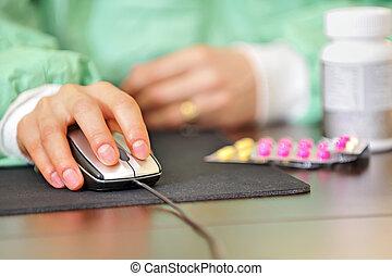 orvos, recept, online gyógyszer