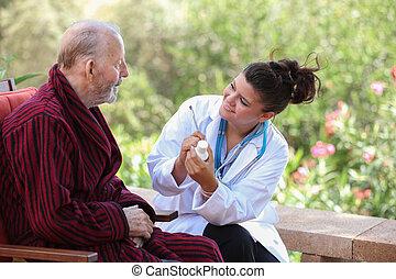 orvos, vagy, ápoló, odaad, gyógyszer, fordíts, idősebb ember, patient.