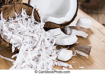 orzech kokosowy, kraciasty, stos