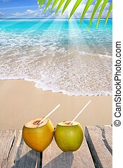 orzechy kokosowe, karaibska plaża, cocktail, raj