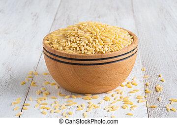 orzo, (risoni), de madera, bowl., pastas