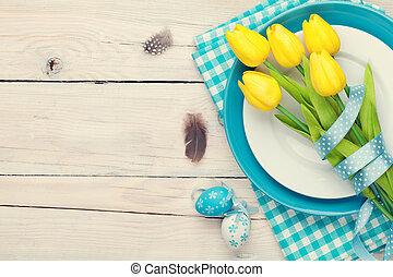 ostern, hintergrund, mit, gelber , tulpen, und, bunte, eier