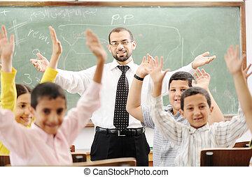 osztályterem, elfoglaltságok, izbogis, tanulás, oktatás, gyerekek, boldog