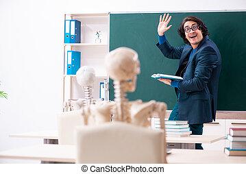 osztályterem, hím, csontváz, diák, tanár