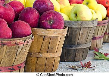 otoño, manzanas, en, cestas