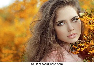 otoño, niña, portrait., hermoso, mujer joven, encima, permisos amarillos, en, el, otoño, park., al aire libre, disparo.