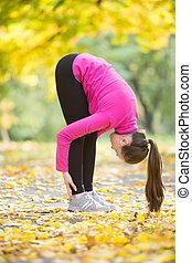 otoño, yoga, outdoors:, uttanasana, postura