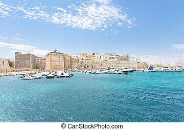 otranto, apulia, -, motorboote, an, der, porto , von, otranto, in, italien