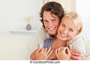 otro, pareja, encantador, cada, se abrazar