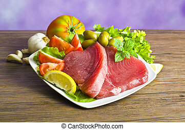 otrzyjcie skórę tuna, stek, przyprawa