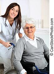 otthon, tolószék, nő, ápoló, öregedő
