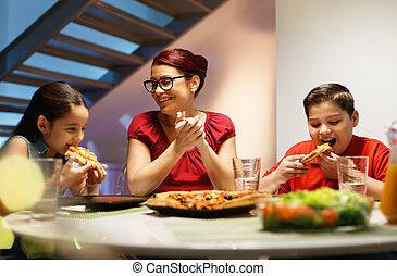otthon, vacsora, noha, vidám család, étkezési, házi készítésű, pizza