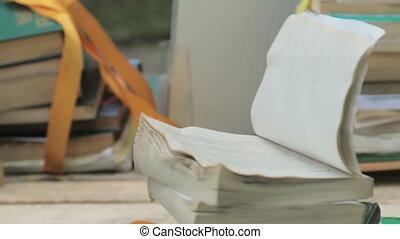 otwarta książka, z, prztyknął, urządzenia wzywające do telefonu