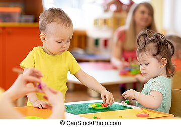 ou, creche, tocando, toddlers, berçário, argila, crianças